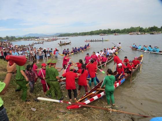 Gay cấn Giải đua ghe trên sông Hương  ảnh 2