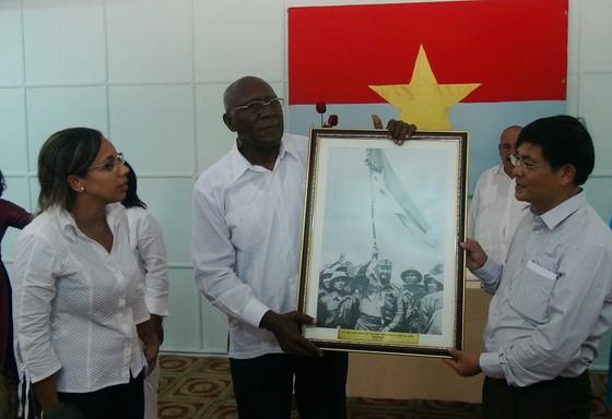 Đoàn đại biểu Đảng, Nhà nước Cuba thăm các di tích lịch sử cách mạng tại Quảng Trị ảnh 4