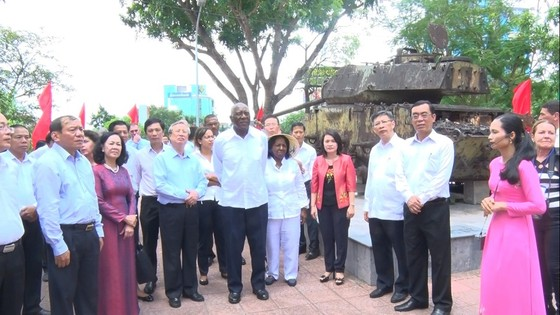 Đoàn đại biểu Đảng, Nhà nước Cuba thăm các di tích lịch sử cách mạng tại Quảng Trị ảnh 3