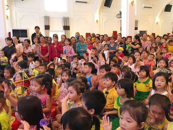 Hơn 500 trẻ tại Thừa Thiên – Huế rộn ràng vui Tết Trung thu ảnh 4