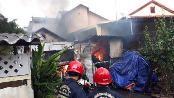 Cháy nhà giữa trời mưa, một phụ nữ tử vong ảnh 1