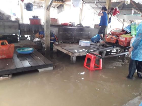 Nhiều khu vực tại Thừa Thiên - Huế bị chia cắt vì mưa lũ ảnh 2