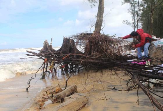 Điều tiết lũ qua tràn và tua bin hồ thủy điện lớn nhất Thừa Thiên – Huế ảnh 2