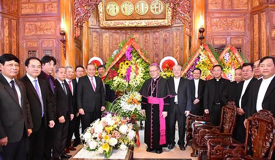 Phó Thủ tướng Trương Hòa Bình chúc mừng Giáng sinh tại Thừa Thiên - Huế ảnh 1
