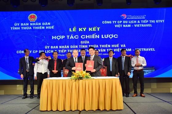 Thừa Thiên – Huế ký kết hợp tác chiến lược cùng lúc với 3 doanh nghiệp ảnh 2