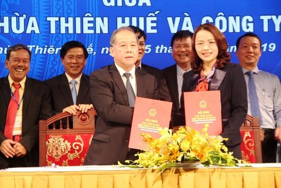 Thừa Thiên – Huế ký kết hợp tác chiến lược cùng lúc với 3 doanh nghiệp ảnh 1