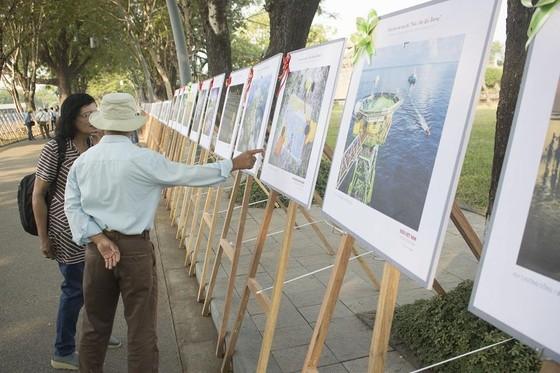Giới thiệu biển đảo quê hương tại Quảng trường Ngọ Môn ảnh 2