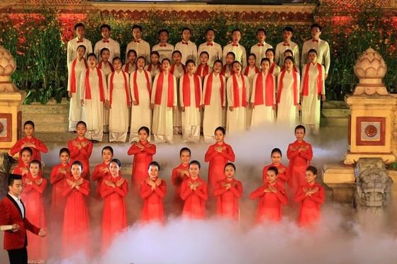 Lộng lẫy đêm khai mạc Festival nghề truyền thống Huế 2019 ảnh 5