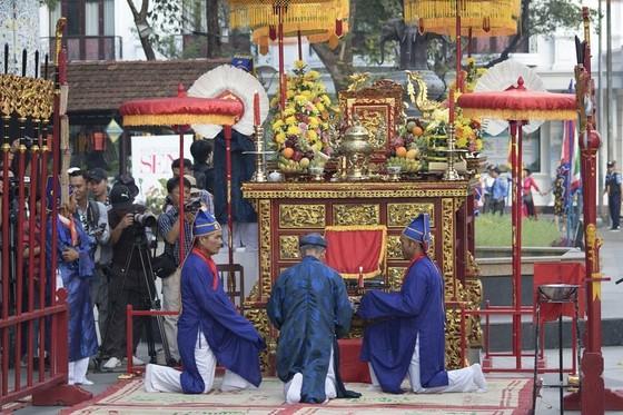 Thiêng liêng lễ tế tổ bách nghệ bên dòng Hương ảnh 1