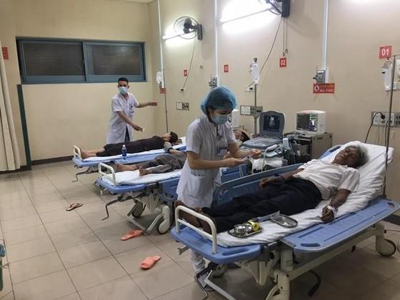 73 người nhập viện vì ngộ độc thực phẩm sau khi ăn tiệc cưới ảnh 2