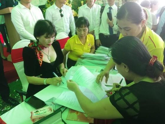 Bất động sản Phú Hồng Thịnh bàn giao sổ hồng sớm cho khách hàng ảnh 1