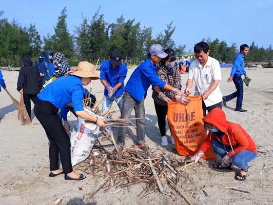 Hàng ngàn đoàn viên, thanh niên ra quân ngày tình nguyện làm cho thế giới sạch hơn ảnh 2