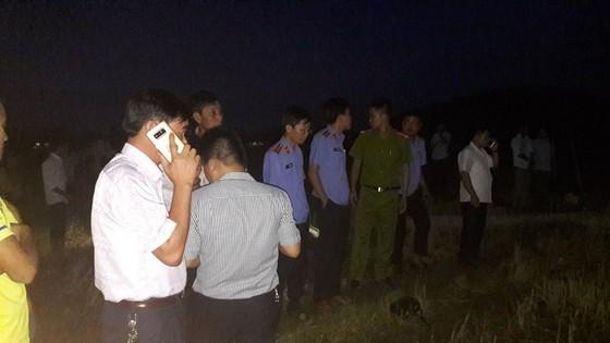 Hà Tĩnh: 4 người bị điện giật tử vong trên cánh đồng  ảnh 2