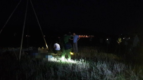 Hà Tĩnh: 4 người bị điện giật tử vong trên cánh đồng  ảnh 1