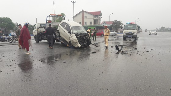 Liên tiếp xảy ra tai nạn giao thông trên quốc lộ 1A ở Hà Tĩnh ảnh 2