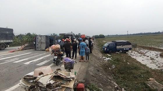 Tai nạn giao thông liên hoàn trên quốc lộ 1A ở Hà Tĩnh ảnh 1