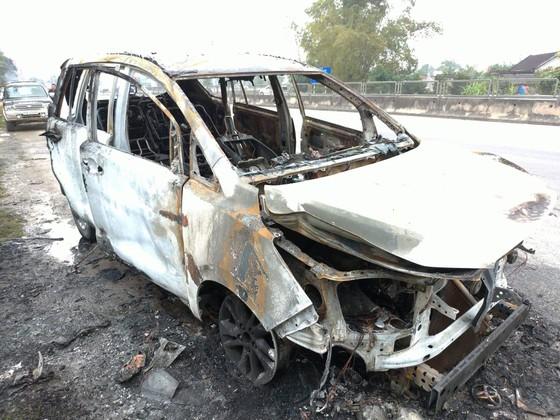 Cháy xe ô tô trên quốc lộ 1 ở Hà Tĩnh ảnh 4