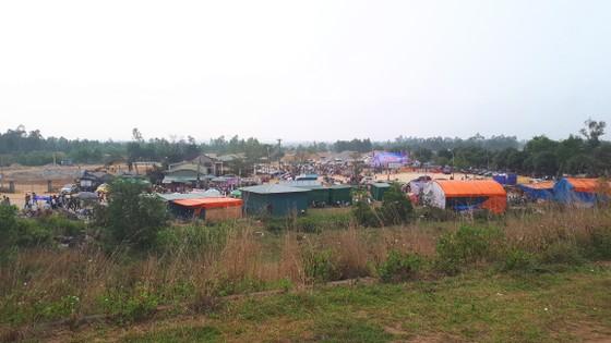 Ngày khai hội chùa Hương Tích thu hút đông đảo du khách ảnh 6