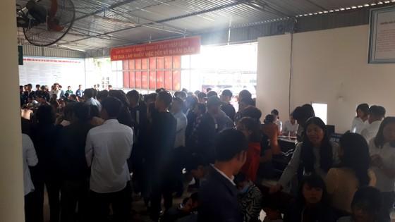 Hàng ngàn người dân Hà Tĩnh làm hộ chiếu đi lao động nước ngoài ảnh 2
