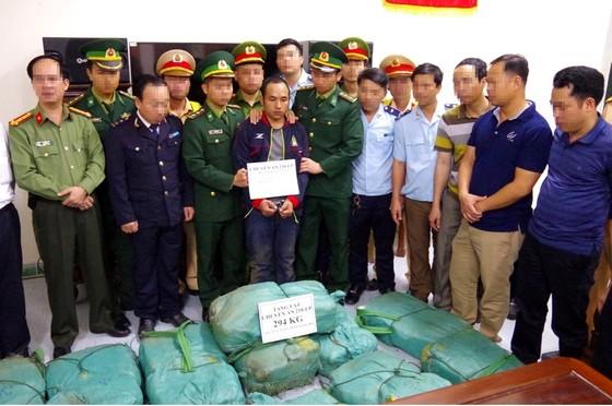 Hà Tĩnh: Khen thưởng các đơn vị triệt phá đường dây ma túy xuyên quốc gia ảnh 3