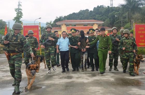 Bắt vụ vận chuyển 60.000 viên ma túy tổng hợp từ Lào vào Việt Nam ảnh 3