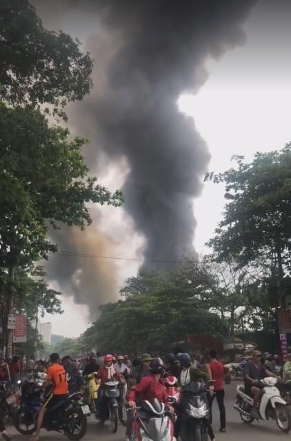 Cháy lớn tại Hà Tĩnh, nhiều nhà dân cùng tài sản bị thiêu rụi   ảnh 9
