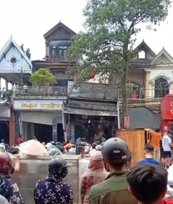 Cháy lớn tại Hà Tĩnh, nhiều nhà dân cùng tài sản bị thiêu rụi   ảnh 14