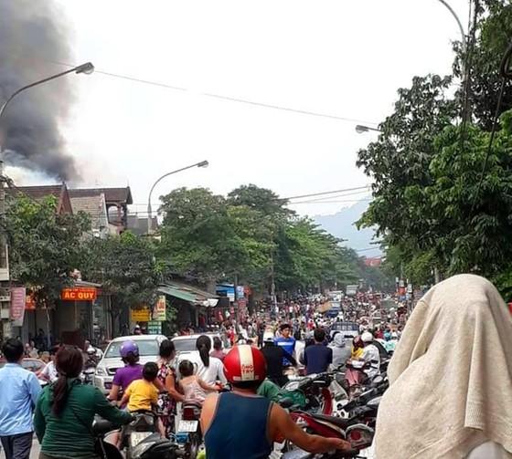 Cháy lớn tại Hà Tĩnh, nhiều nhà dân cùng tài sản bị thiêu rụi   ảnh 13