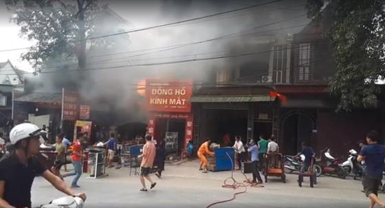 Cháy lớn tại Hà Tĩnh, nhiều nhà dân cùng tài sản bị thiêu rụi   ảnh 7
