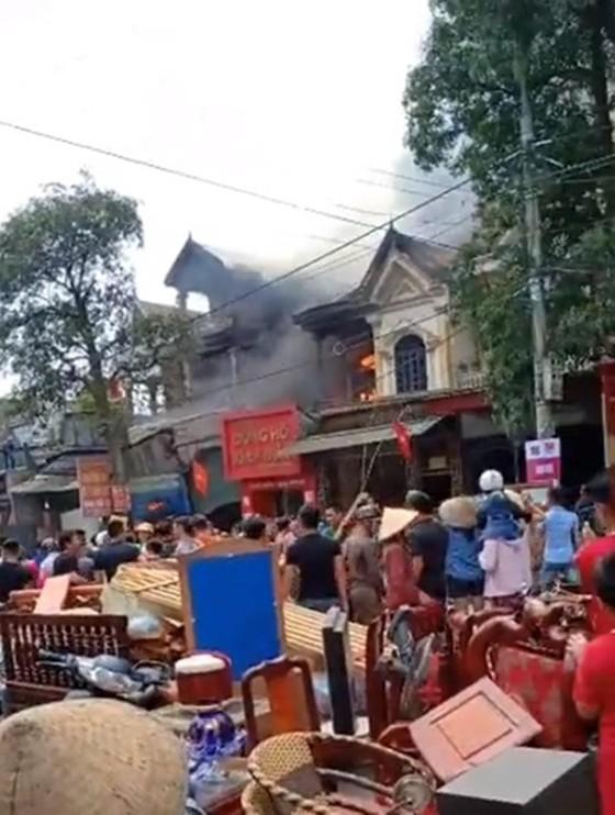 Cháy lớn tại Hà Tĩnh, nhiều nhà dân cùng tài sản bị thiêu rụi   ảnh 10