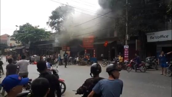 Cháy lớn tại Hà Tĩnh, nhiều nhà dân cùng tài sản bị thiêu rụi   ảnh 8