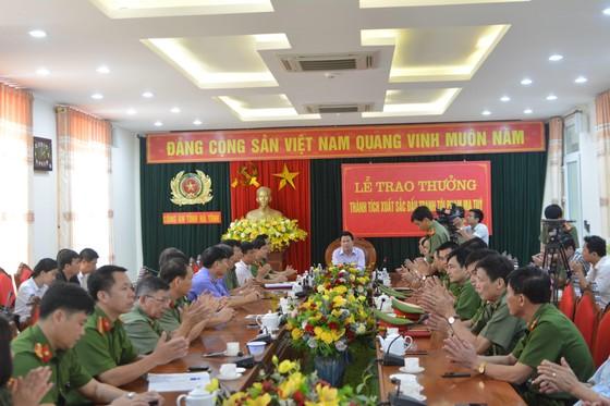 """Hà Tĩnh trao thưởng các lực lượng đấu tranh triệt phá vụ ma túy """"khủng"""" ảnh 2"""