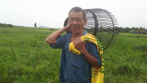"""Hàng ngàn người dân nô nức tham gia lễ hội đánh cá """"độc nhất"""" ở Hà Tĩnh ảnh 5"""