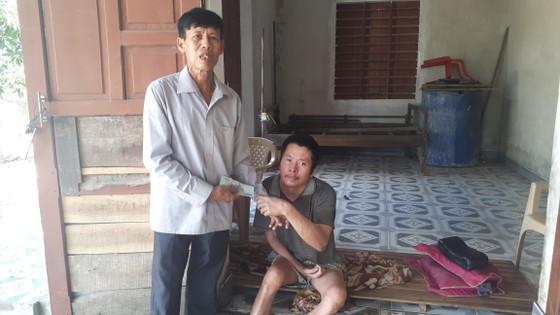 Báo SGGP trao 21 triệu đồng cho các gia đình khó khăn ở Hà Tĩnh ảnh 2
