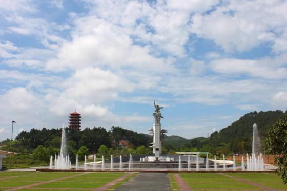 Kỷ niệm ngày 10 nữ anh hùng liệt sĩ Ngã ba Đồng Lộc hy sinh  ảnh 6