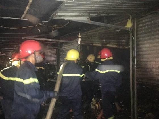 Cháy nhiều ki ốt bán hàng tại chợ Voi, Hà Tĩnh ảnh 1