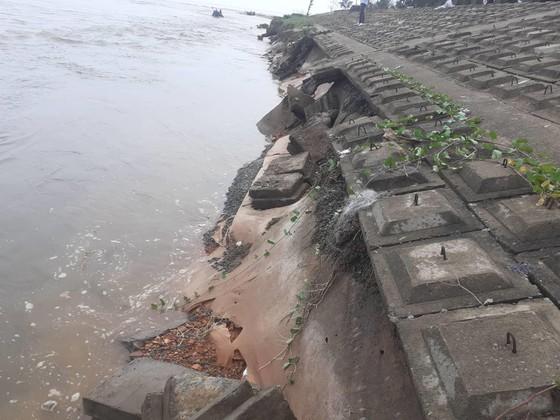 Đê chắn sóng ven biển ở Hà Tĩnh bị sạt lở sau mưa lũ ảnh 7
