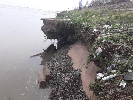Đê chắn sóng ven biển ở Hà Tĩnh bị sạt lở sau mưa lũ ảnh 6