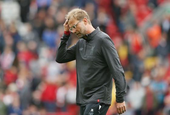 Jurgen Klopp dường như không còn hạnh phúc ở Liverpool. Ảnh: Getty Images