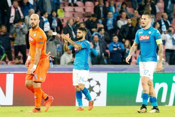 Napoli - Man.City 2-4: Aguero vào lịch sử, Man.City vào vòng 1/8 ảnh 1