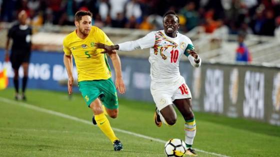 Sadio Mane (phải) tiếp tục tỏa sáng để giúp Senegal đến World Cup. Ảnh: Getty Images