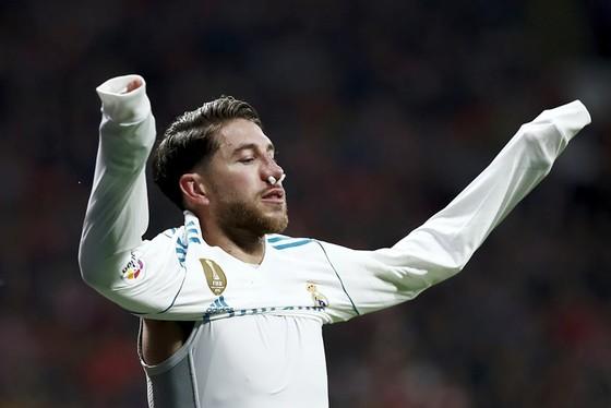 Ramos dính chấn thương mũi. Ảnh: Getty Images