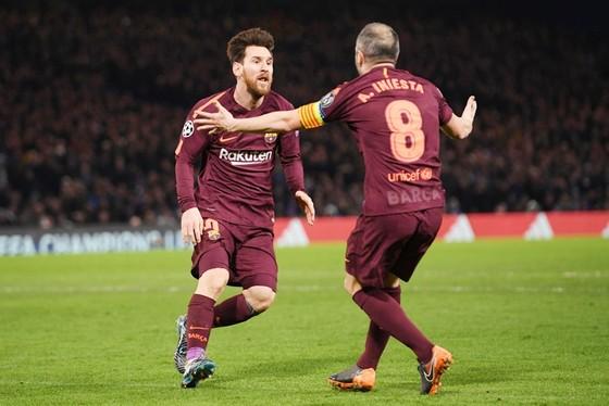 Danh sách đăng ký thi đấu của Barca có tên Messi và Iniesta. Ảnh: Getty Images