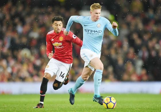 Kevin De Bruyne (phải) hy vọng tái đấu Man.United ở Etihad cũng sẽ là thời khắc đăng quang. Ảnh: Getty Images