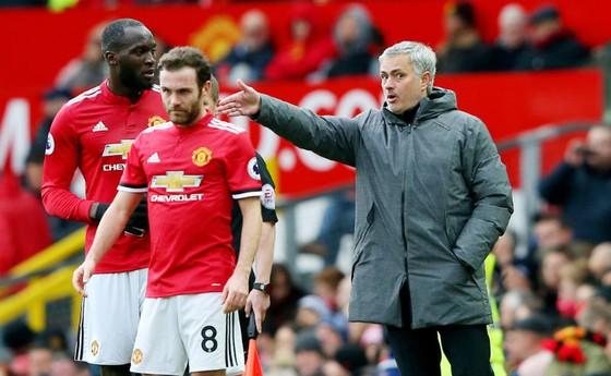 Với Zlatan Ibrahimovic, HLV Jose Mourinho là người thích hợp nhất dẫn dắt Man.United. Ảnh: Getty Images