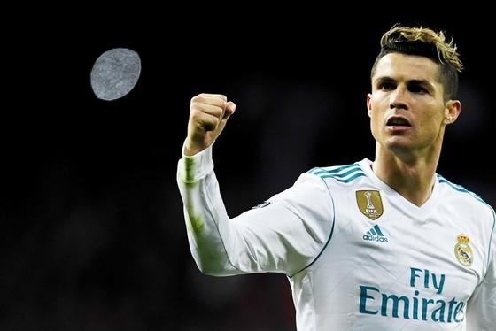 Thành tích ghi bàn của Ronaldo còn hơn cả Ronaldinho và Rô béo cộng lại.
