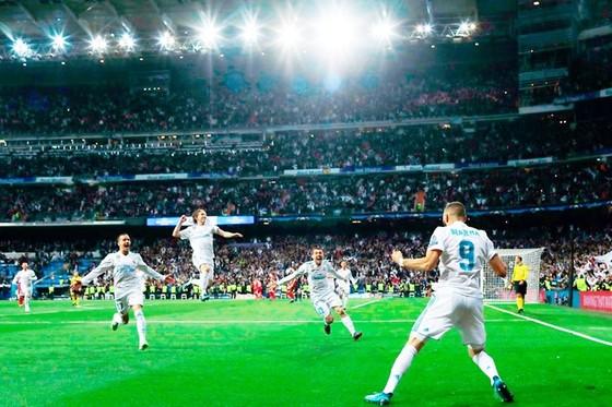 """Bayern """"tự sát"""", Real vào chung kết lần thứ ba liên tiếp ảnh 1"""