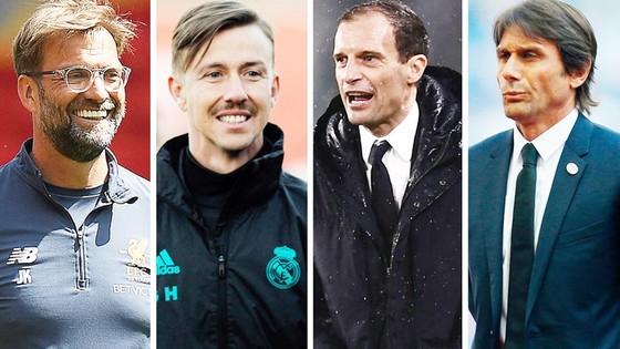 Klopp (số 1 từ trái qua) đang dẫn đầu cuộc bầu chọn của độc giả AS. Ảnh Marca.