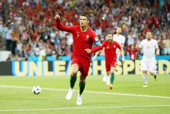 Ronaldo chói sáng giúp Bồ Đào Nha cầm hòa Tây Ban Nha. Ảnh Getty Images