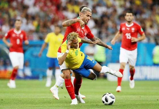 Lộ lý do Neymar chơi tệ trước Thụy Sĩ ảnh 1